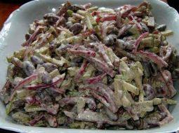 salat-s-kopchenoj-kolbasoj-s-foto-recept_1.jpg