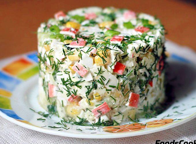 Салат с огурцом и кукурузой и крабовыми палочками рецепт