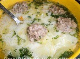 sup-s-plavlennym-syrom-i-frikadelkami-recept_1.jpeg
