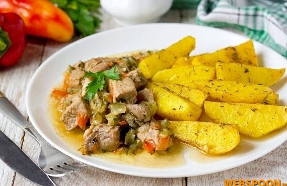 Свинина с солеными огурцами рецепт с фото