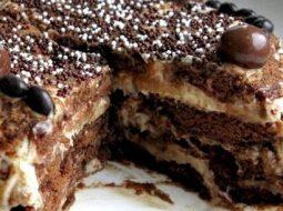 tort-iz-prjanikov-s-bananami-i-smetanoj-recept-s_1.jpg