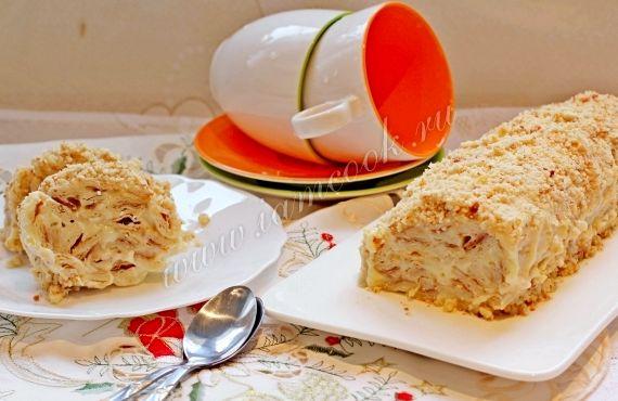 Торт из слоеного теста полено со сливками рецепт с фото