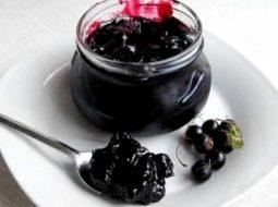 varene-zhele-iz-smorodiny-chernoj-recept_1.jpg