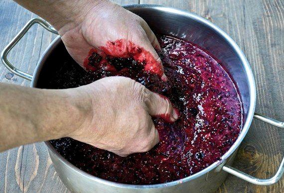 Вино из разных ягод в домашних условиях простой рецепт