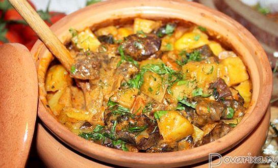 Жаркое в горшочках из говядины с картошкой в духовке рецепт с фото